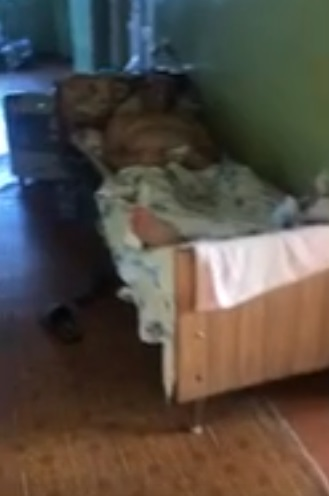 Бесплатного нет ничего. Пациент луганской больницы показал, в каких условиях лежат больные коронавирусом
