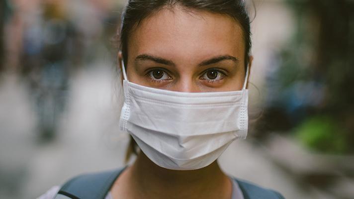 Людей некому лечить. Данилов рассказал о ситуации с коронавирусом на Донбассе и в Крыму