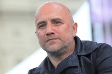Воевавший на Донбассе Захар Прилепин отказывается от мандата Госдумы и ждет назначения на губернаторский пост