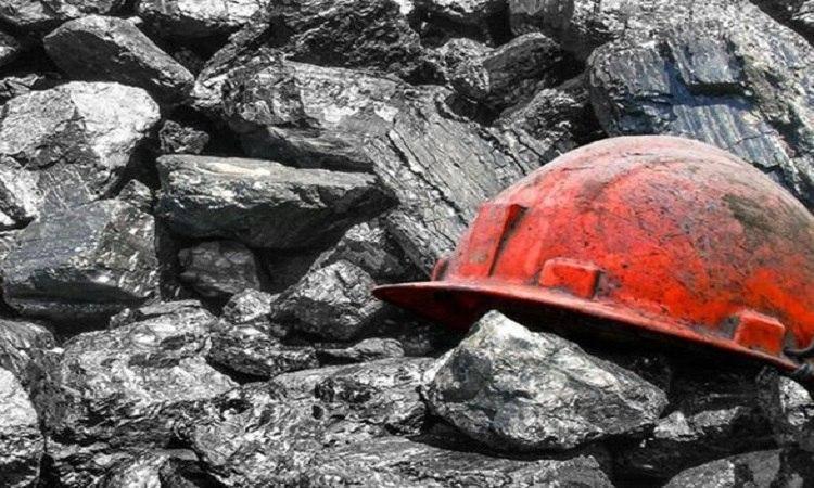 «ДНР» уже не сообщает о поисках пропавшего в шахте Засядько горняка. Пожар все еще тушат