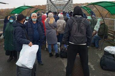 «ЛНР» несколько часов не пускала никого через КПВВ «Станица Луганская»