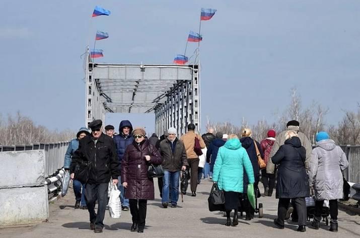 КПВВ «Станица Луганская» закрыли из-за контрабандных каналов через Россию, — правозащитники